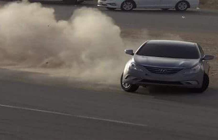 سعودية تمارس التفحيط بعد ساعات من السماح للمرأة بقيادة السيارة...فيديو