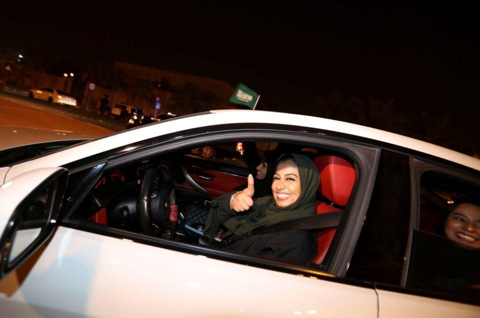 كم عدد السعوديات المتقدمات للحصول على رخص سياقة؟
