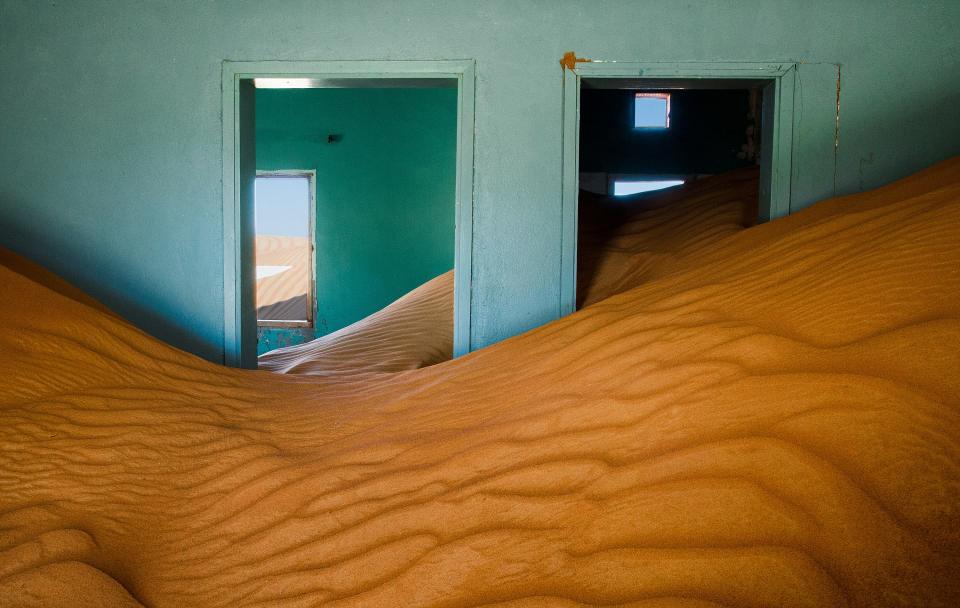 الصور الفائزة بمسابقة أفضل صور الطبيعة و من بينها صورة لبيت مهجور في الإمارات