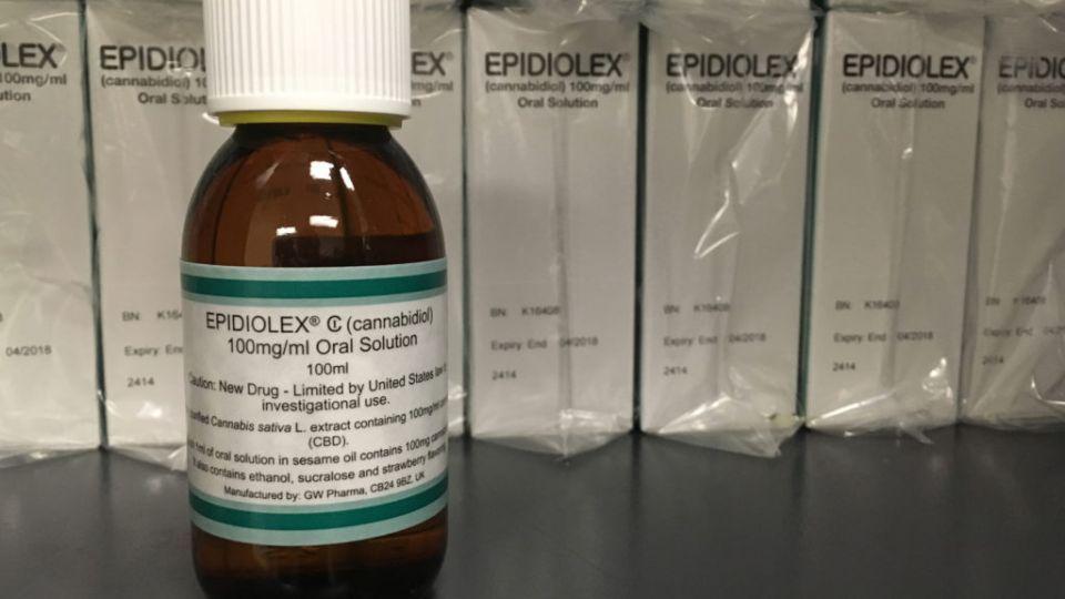 """الغذاء والدواء الأمريكية توافق على أول  دواءً من """"الحشيش"""" للأطفال لعلاج الصرع"""