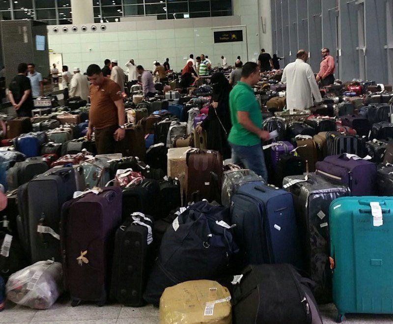 ما أسباب تكدس الحقائب بمطار جدة من جديد؟