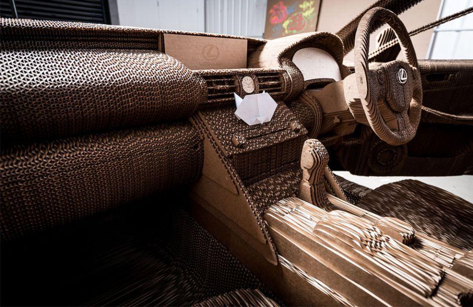 بالصور:  لكزس تقدم سيارة مصنوعة من الكرتون