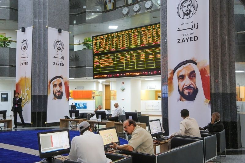 بورصة دبي تتعافي من خسائر 11 يوما والسعودية مستقرة