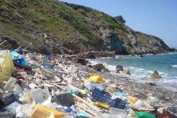 الشواطئ اللبنانية غير صالحة للسباحة
