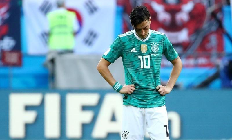 أوزيل يختار ارتداء القميص رقم 10 بسبب حبه لزيدان