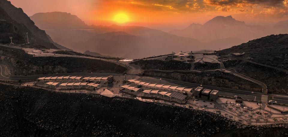 إطلاق خدمة جديدة لنقل الزوار  إلى جبل جيس في الإمارات