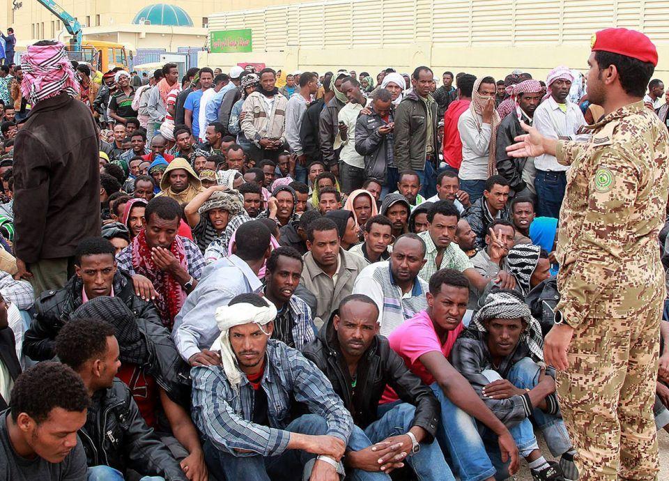 كم أجنبي يغادر يومياً سوق العمل السعودي؟