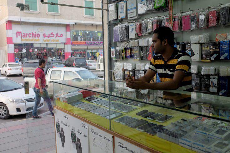 ما هي الخطة الزمنية لتوطين 12 نشاطاً في السعودية بنسبة 70%؟