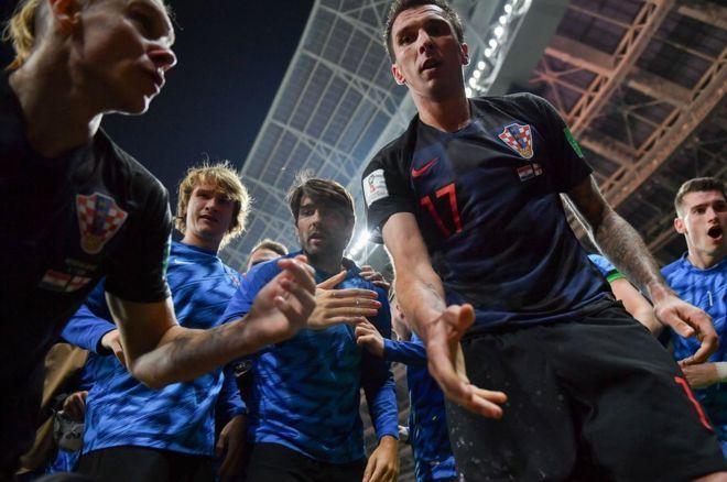 بالصور: احتفالات الفريق الكرواتي بالتأهل إلى المباراة النهائية