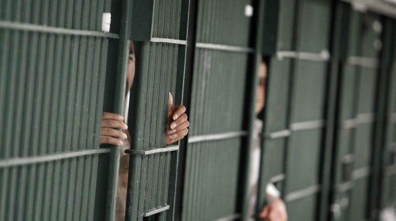 الإمارات: سجن رجل عربي 7 سنوات تطاول على الذات الإلهية