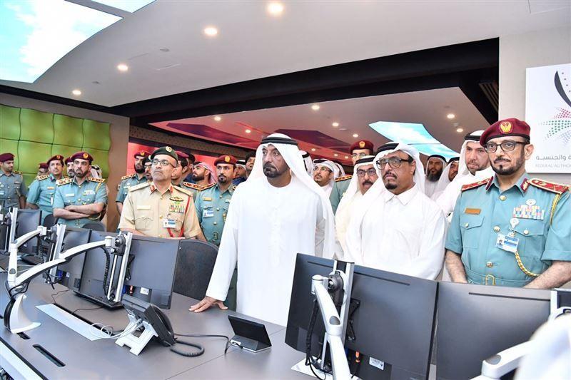 أحمد بن سعيد يفتتح مركز القيادة والتحكم الذكي في مطار دبي الدولي
