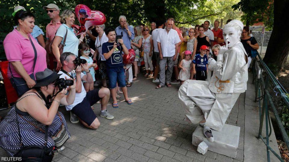 بلجيكا تجمع المشاهير