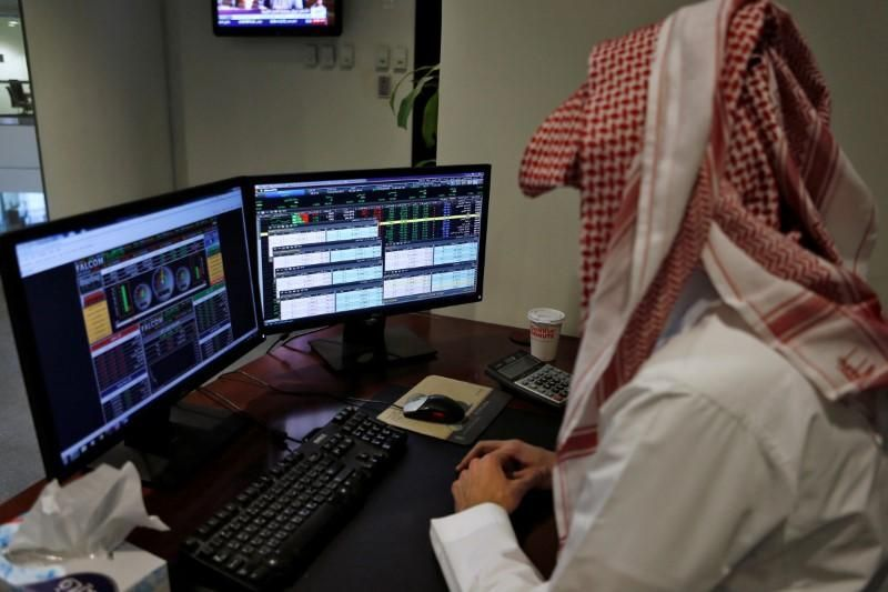 إغلاق متباين لبورصات الخليج والبنوك تدعم أبوظبي والسعودية