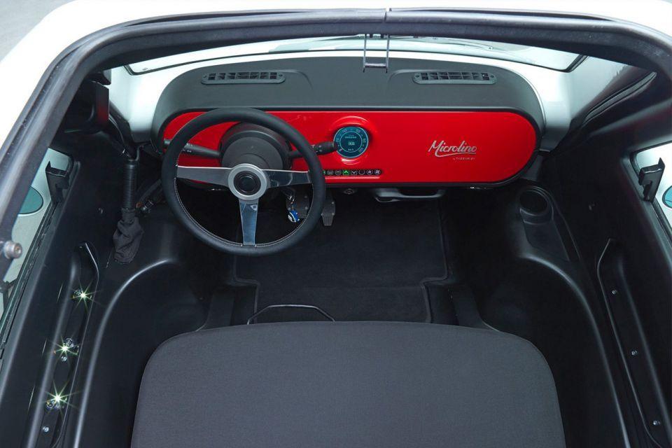 """بالصور: """"Microlino"""" أصغر سيارة كهربائية بالعالم"""