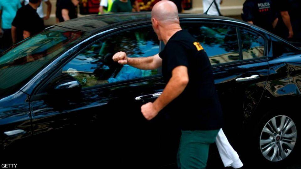 بالصور: ثورة سائقى الأجرة فى إسبانيا ضد أوبر