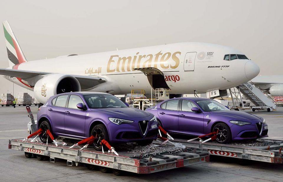 الإمارات للشحن الجوي تنقل سيارتي ألفا روميو للمشاركة في رالي غامبول 3000