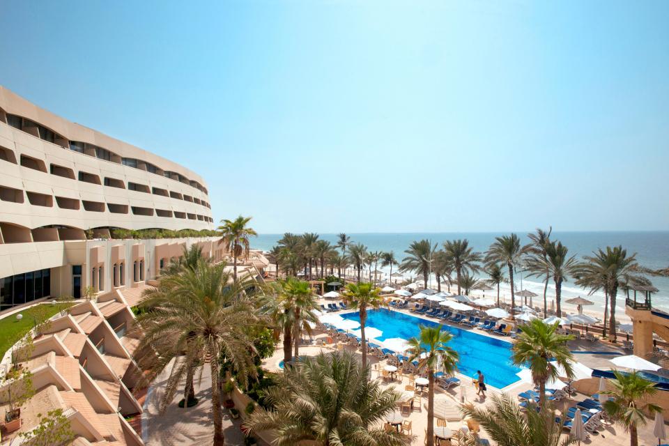 أبو ظبي: إعادة افتتاح الحدائق ونشاط المسابح في الفنادق في أبوظبي
