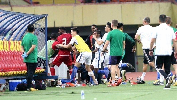 اتحاد الكرة الإماراتي يعتذر عن أحداث ماليزيا ويستبعد الحراصي