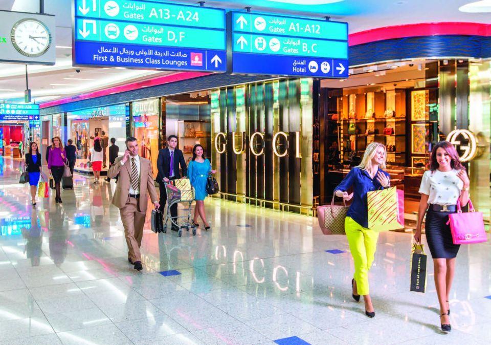 مجلس الوزراء الإماراتي يحدد آليات رد الضريبة المضافة للسياح