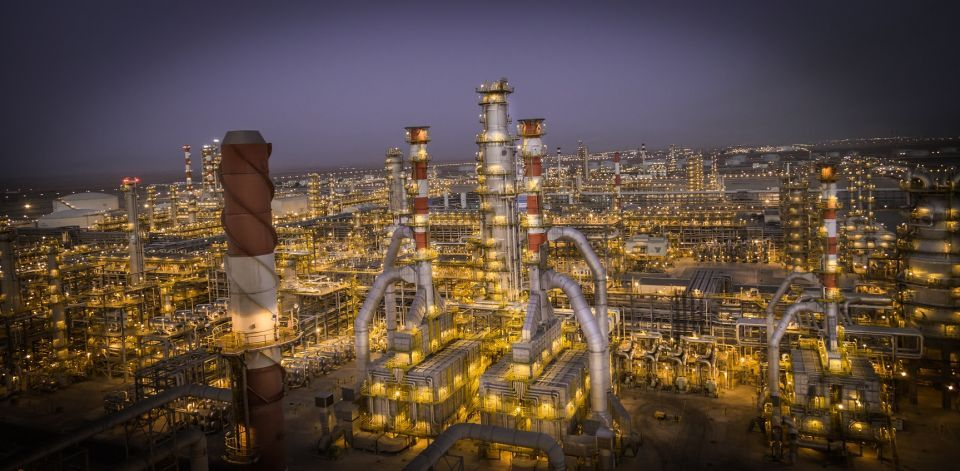 ياسرف السعودية تغلق وحدة لإنتاج البنزين وتبيع النفتا