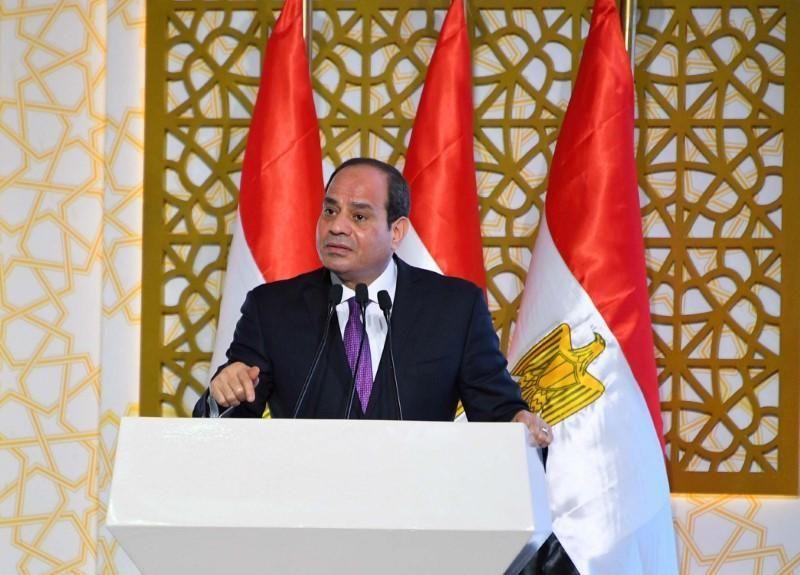الرئيس المصري يُصادق على قانون تشديد الرقابة على الإنترنت