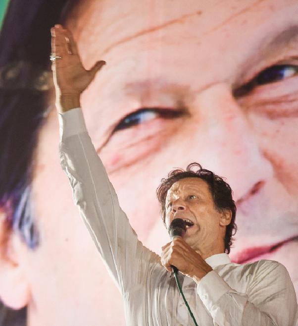 هل ينجح عمران خان في إنعاش الاقتصاد الباكستاني؟