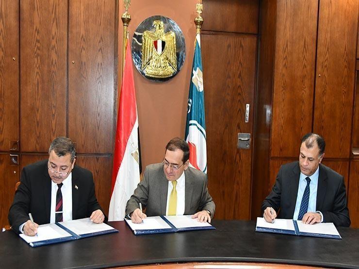 مصر توقع اتفاقيتين للبحث عن النفط والغاز باستثمارات 65 مليون دولار