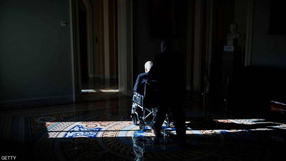 بالصور : نظرة على حياة جون مكين
