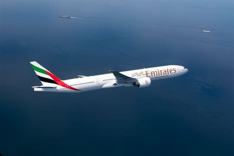 طيران الإمارات تعزز خدماتها إلى الرياض برحلة يومية رابعة