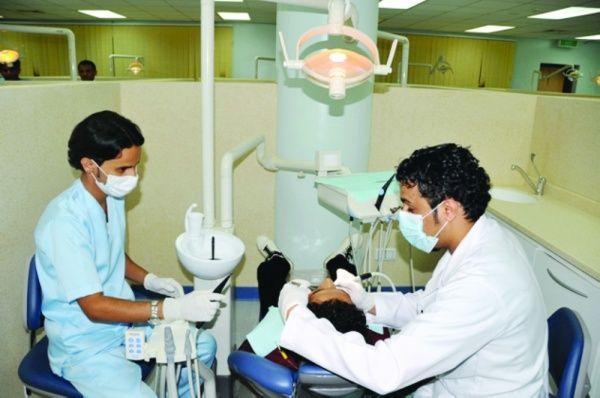 العاهل السعودي يوجه بتوطين أطباء الأسنان في القطاعين العام والخاص