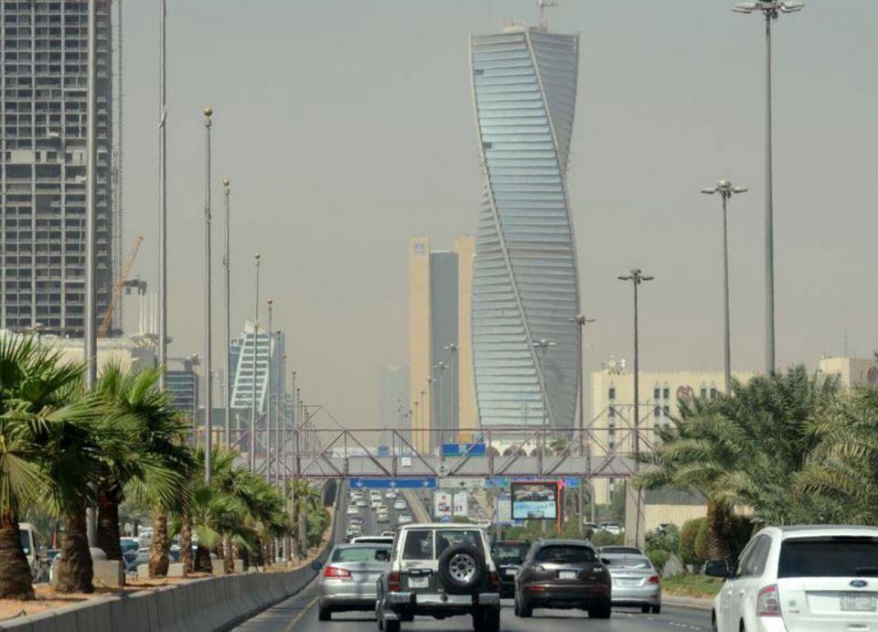 856 ألف موظف في السعودية يغادرون سوق العمل