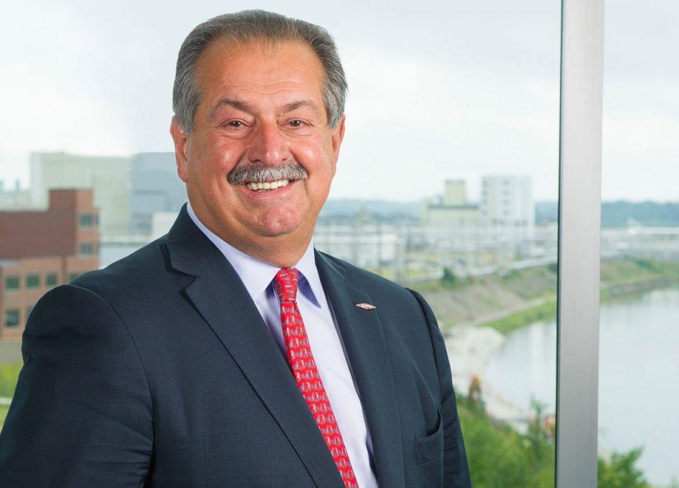 صندوق الاستثمارات العامة السعودي يعين أندرو ليفيريس مستشارًا خاصًّا