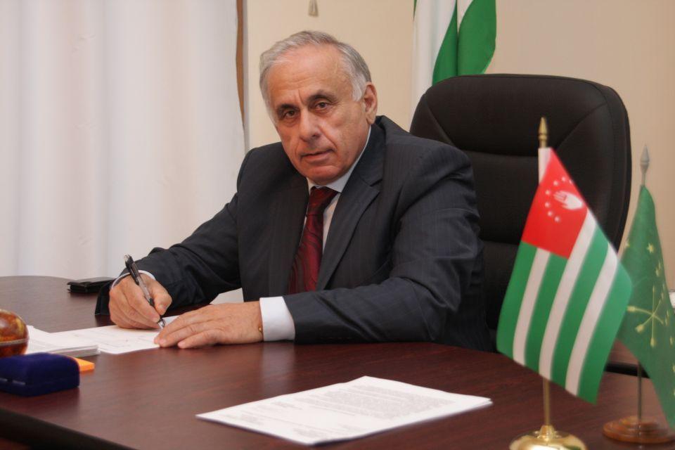 مقتل رئيس وزراء جمهورية أبخازيا بعد عودته من سوريا