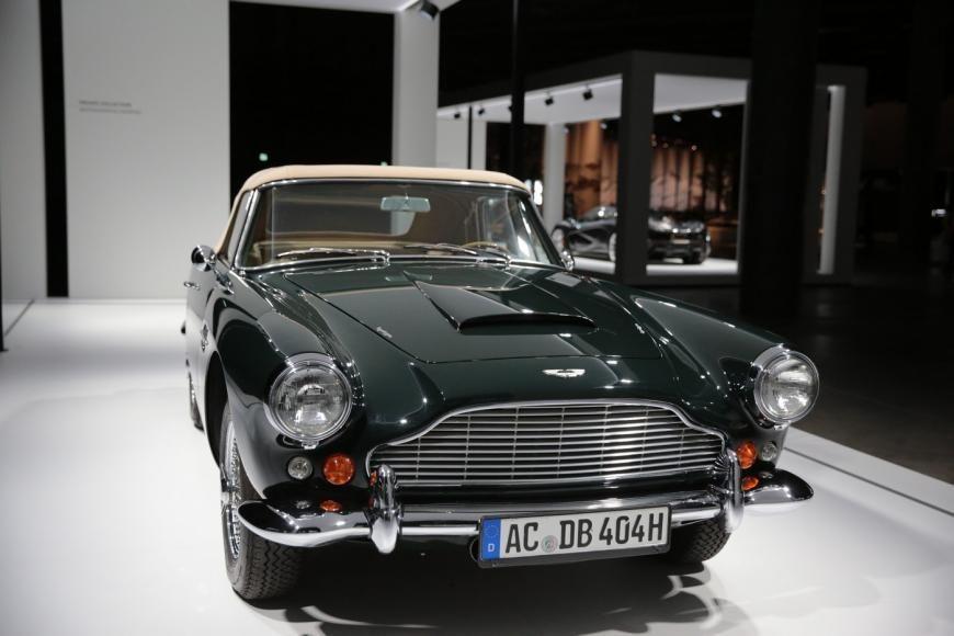 بالصور : أروع 5 سيارات قديمة في معرض غراند بازل للسيارات