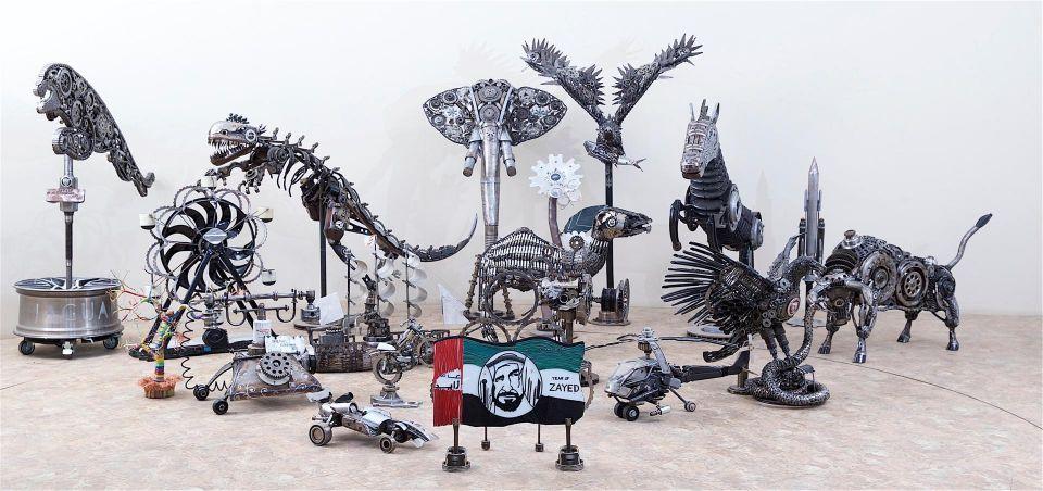 بالصور : معرض فني يحول قطع الغيار إلى أعمال فنية في دبي