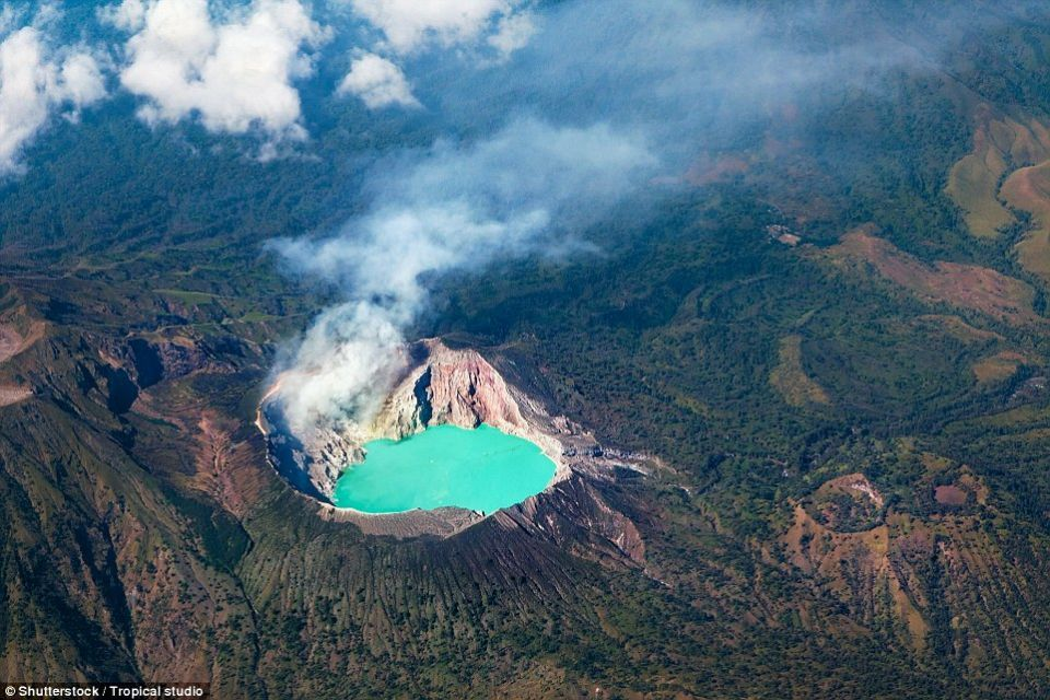 بالصور : أكثر المناظر الطبيعية البركانية دراماتيكية في العالم
