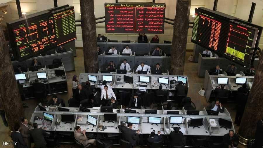 بورصة مصر تتكبد خسائر حادة قبل أسابيع من طروحات حكومية