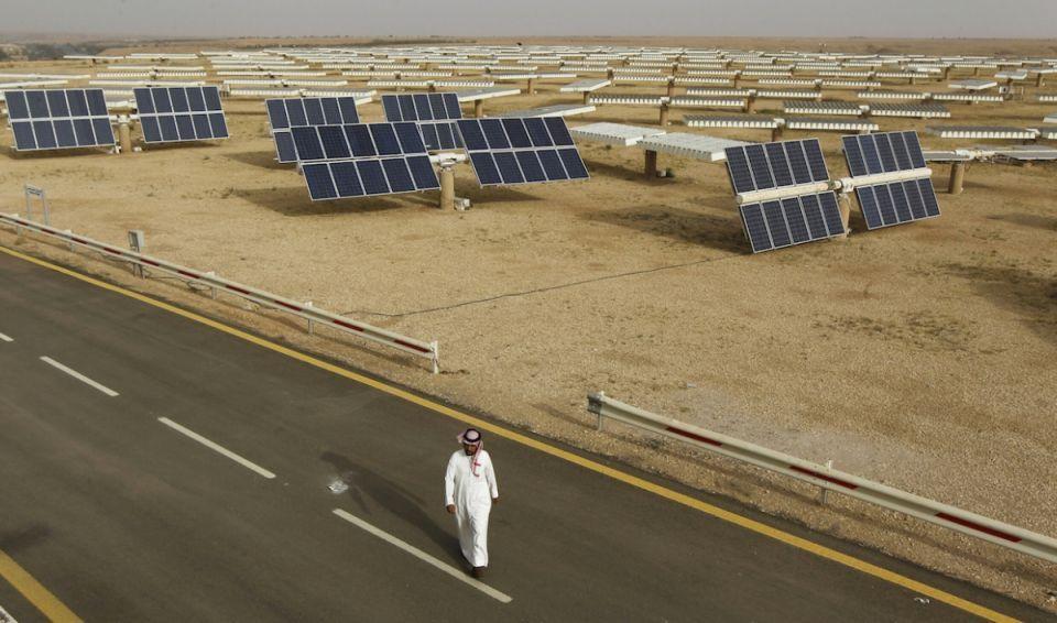 السعودية تنفي تقرير صحيفة أمريكية حول تعليق مشروع الطاقة الشمسية