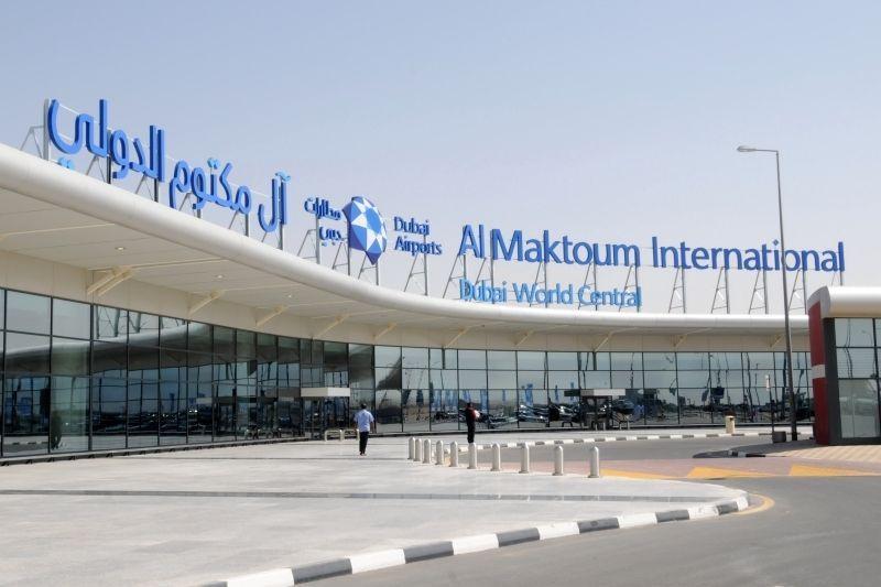 طرح مناقصة توسعة مطار آل مكتوم الشهر الحالي