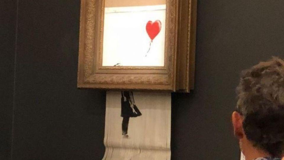 ما سر اللوحة التي تلفت ذاتيا فور بيعها بأكثر من مليون جنيه استرليني في مزاد