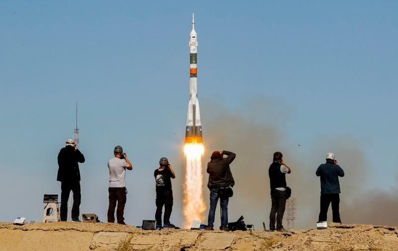 بالفيديو.. الحادث الذي أصاب مركبة سويوز الفضائية الروسية في الجو