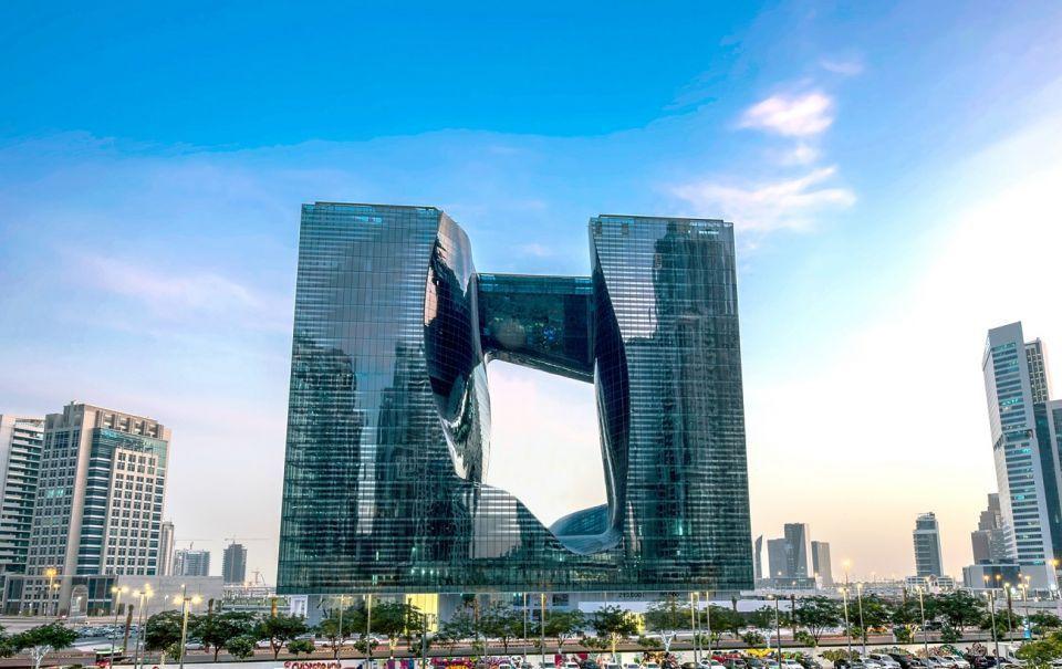 أمنيات تفتتح المساحات التجارية لمبنى «ذا أوبوس» دبي للمصممة زها حديد