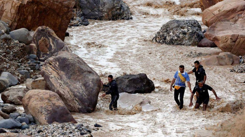 بالصور : سيول كارثية في الأردن