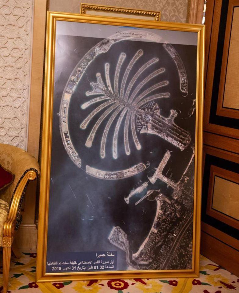 نخلة جميرا أول صورة يلتقطها القمر الصناعي خليفة سات