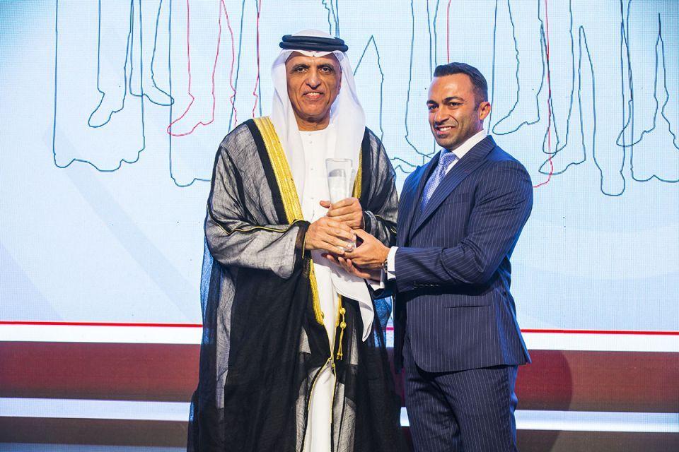 بالصور: تكريم حاكم رأس الخيمة في حفل جوائز أريبيان بزنس للإنجازات
