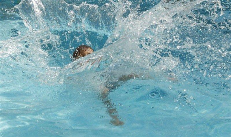 غرق طفل في حوض سباحة بإحدى المدارس الخاصة في الشارقة