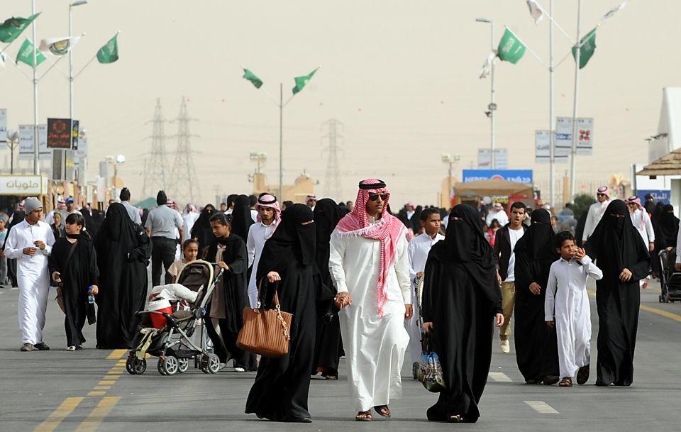 الرياض: 40 ألف وظيفة شاغرة يتعذر شغلها بسعوديين
