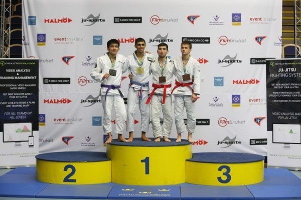 عمر الفضلي يحرز الميدالية الذهبية للإمارات في بطولة العالم للجوجيتسو بالسويد