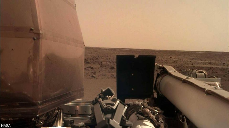 مسبار Nasa Insight يرسل أول صور مذهلة للمريخ