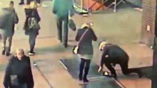 مطلوب لشرطة نيويورك: رجل أضاع خاتم الخطوبة في لحظة رومانسية